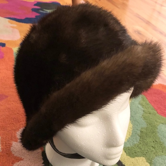 Vintage Accessories - Vintage 100% fur cloche hat